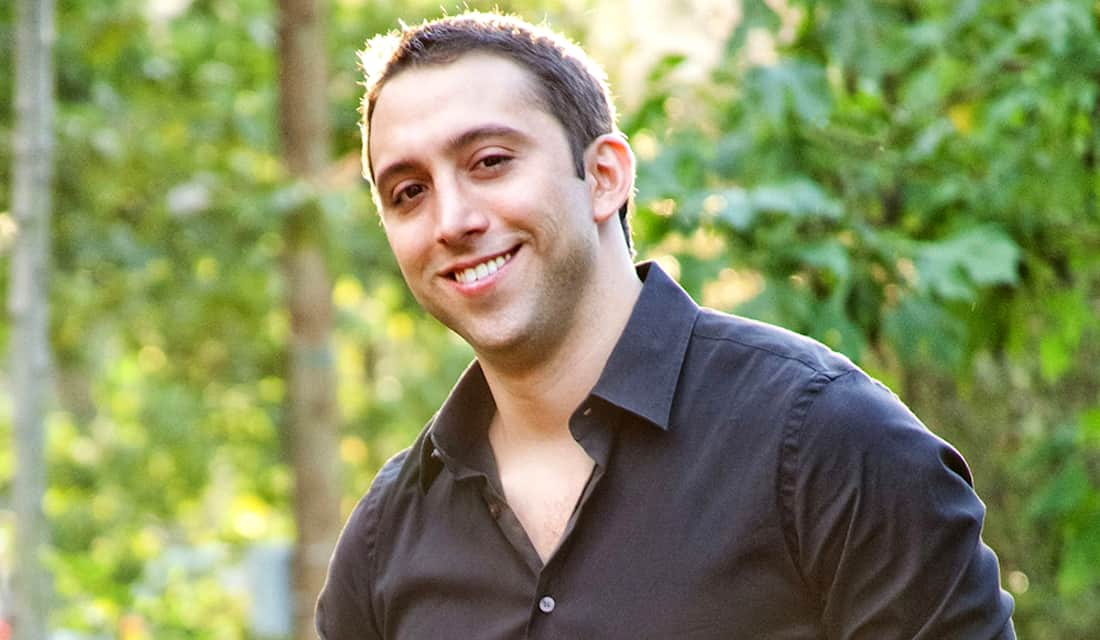 How Scott Valdez Bootstrapped His Way To A 6-Figure Income Helping People Outsource Their Love Life