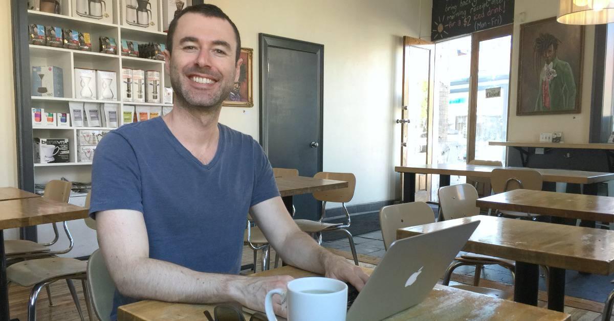 Yaro Laptop Lifestyle Travels