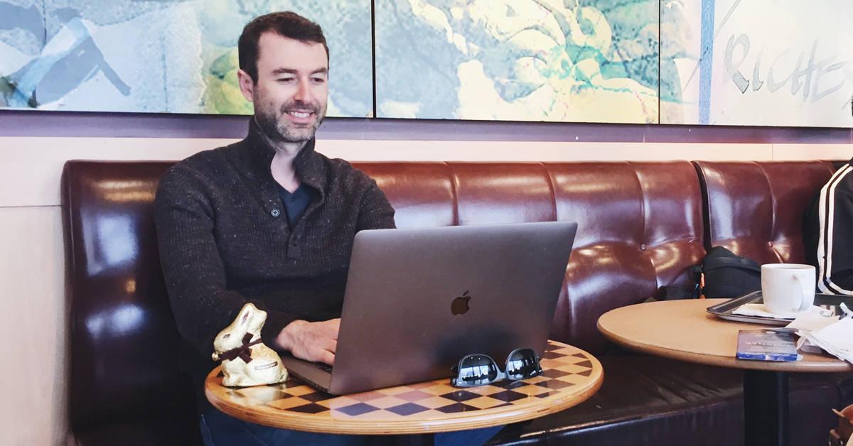 Yaro living the laptop lifestyle working in Paris